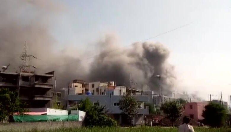 Maharashtra: Fire in Serum Institute of India building in Pune, corona vaccine plant safe