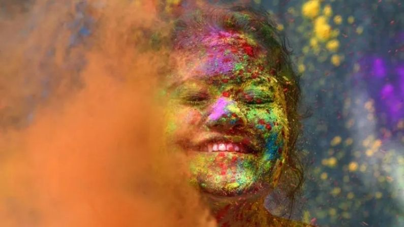 Holi 2021: COVID, Keeping Her Skin and Hair in Mind, Why are Herbal Colors Important for Holi?