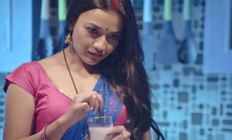Palang Tod Web Series All Episodes Online Watch on ULLU Cast Details & Full Review